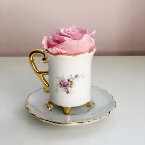 Xícara Floral + Rosa Preservada